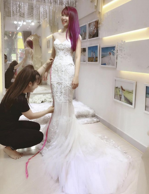 """Showbiz Việt rộn ràng với """"đám cưới"""" của Khởi My, Mr. Đàm, Mỹ Tâm và Trường Giang"""