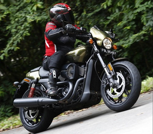 Harley-Davidson Street Rod 750 2017: Xu hướng mới của giới trẻ - 1