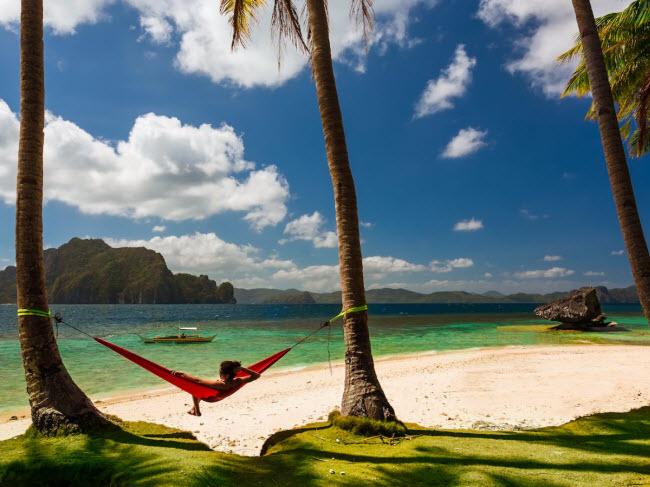 Đảo Palawan, Philippines: Hòn đảo này nổi tiếng trên mạng xã hội Instagram và là một trong những địa điểm có bãi biển cát trắng đẹp nhất thế giới.