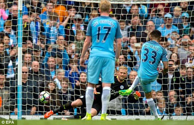 Man City - Leicester: 2 quả 11m, kịch tính cao độ