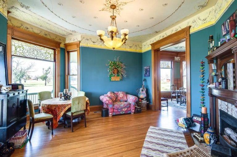 Biệt thự cổ gần 130 tuổi đẹp như tranh vẽ - 6