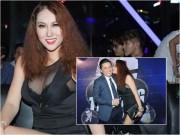 """Thời trang - Phi Thanh Vân mặc sexy hôn má """"trai lạ"""" phớt lờ chuyện Bảo Duy"""