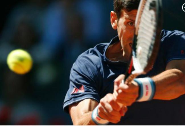 Djokovic đuổi bóng như bắt gà, Ronaldo cười hả hê vì Nadal - 2
