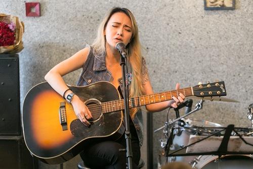 Bé Xuân Nghi lần đầu hát ở Việt Nam sau 7 năm vắng bóng - 3