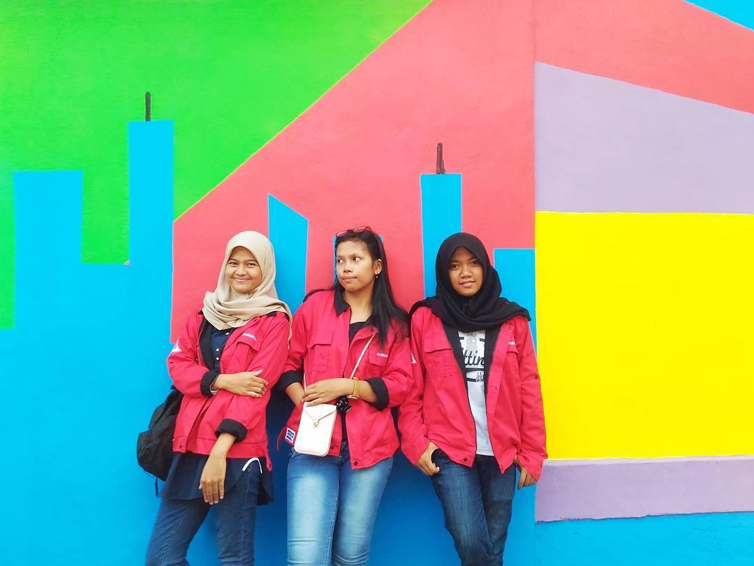 """Ngôi làng 7 màu đang khiến dân """"sống ảo"""" chao đảo ở Indonesia - 24"""