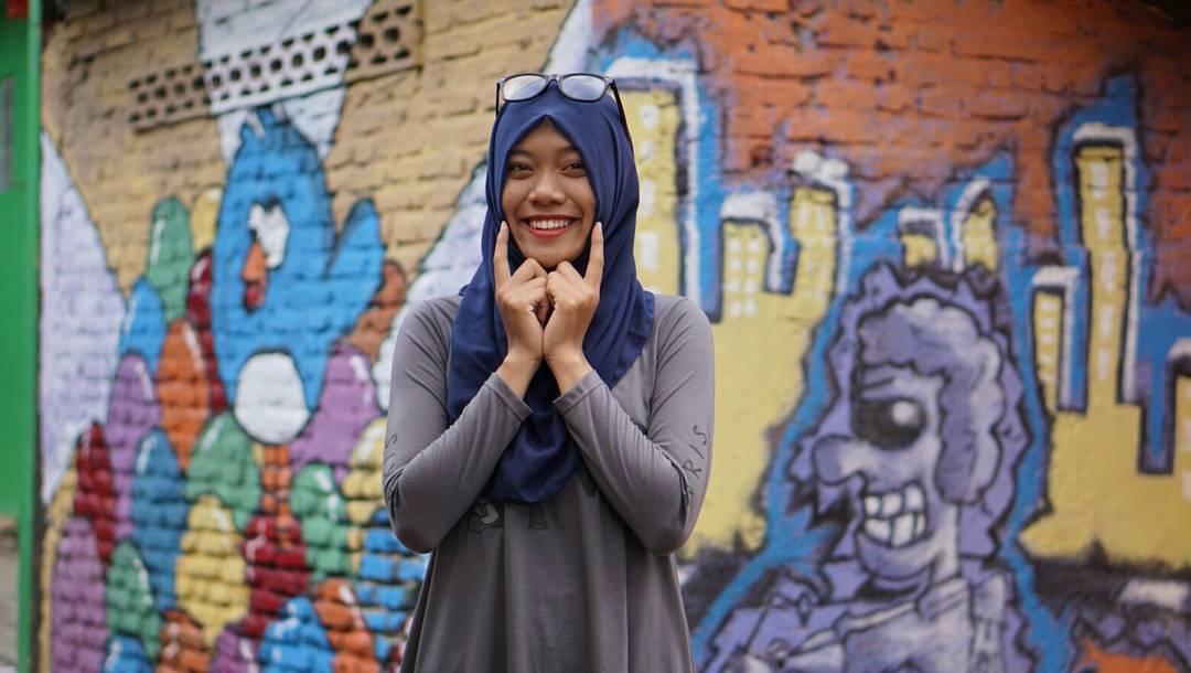 """Ngôi làng 7 màu đang khiến dân """"sống ảo"""" chao đảo ở Indonesia - 5"""