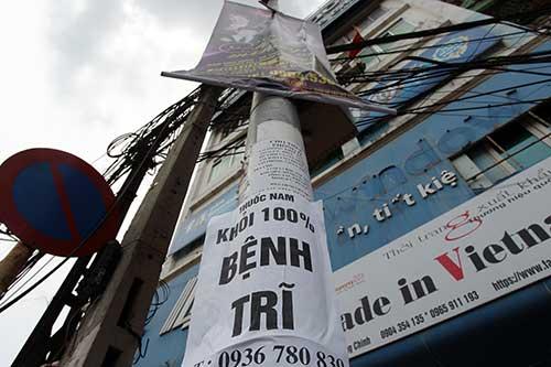 """Những """"nhân viên truyền thông"""" bất đắc dĩ trên phố Hà Nội - 3"""
