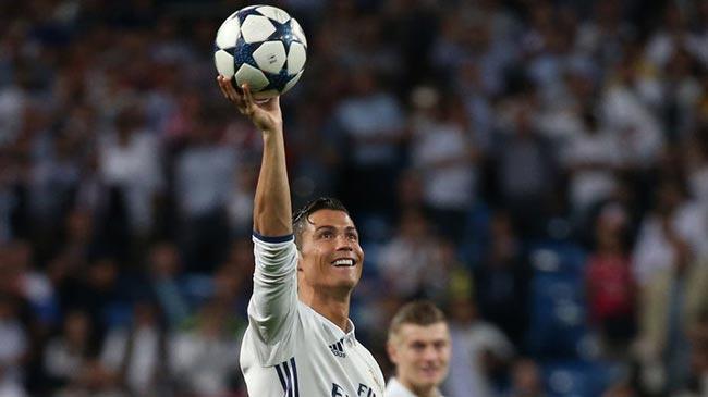 """Ronaldo """"hóa rồng"""": 400 bàn, 2 kỷ lục & 4 trận """"chung kết"""" - 1"""