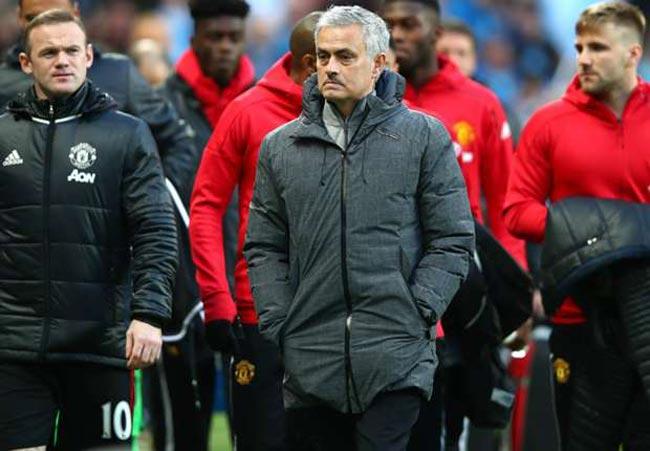 Tin HOT bóng đá tối 14/5: Mourinho ém quân đá Europa League - 1