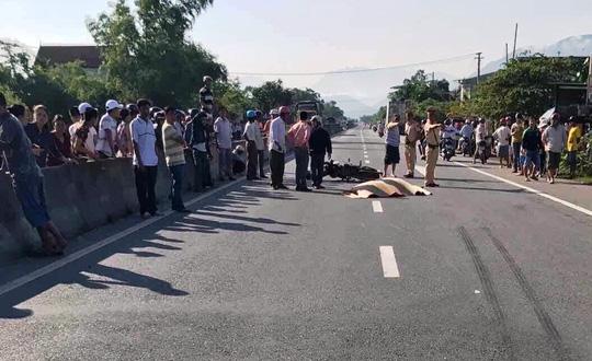 Phó chủ tịch HĐND xã tử nạn khi băng qua đường - 1