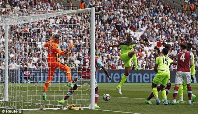 """West Ham - Liverpool: """"Khiêu vũ"""" cùng siêu sao - 1"""