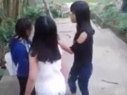 TT- Huế: Kỷ luật cảnh cáo 2 nữ sinh lớp 9 đánh bạn tới tấp