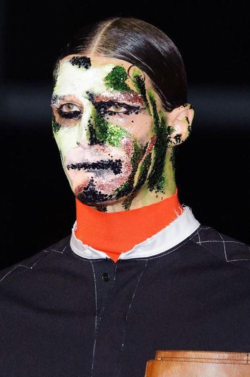 """Rùng mình với những kiểu make up """"doạ ma"""" trên thế giới - 3"""