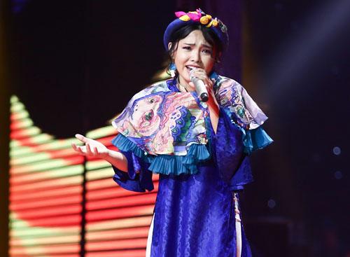 """Tóc Tiên """"ngơ ngác"""" xem hot girl xứ Hàn hát hit Sơn Tùng - 10"""