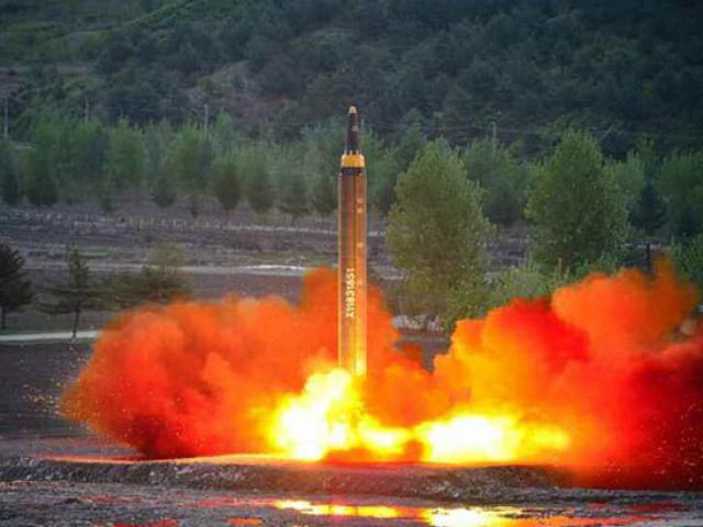 Triều Tiên phát triển tên lửa nhanh vượt dự đoán của HQ - 2