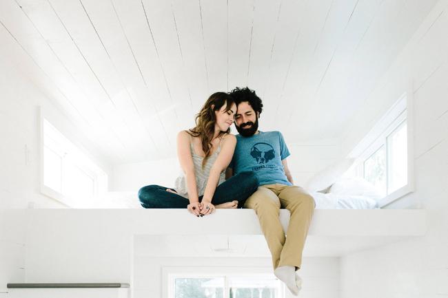 Kelly và Canaan quyết định tự thiết kế cho tổ ấm của mình một không gian sống nhỏ nhắn, lãng mạn, ấm cúng nhưng vẫn thoải mái. & nbsp;
