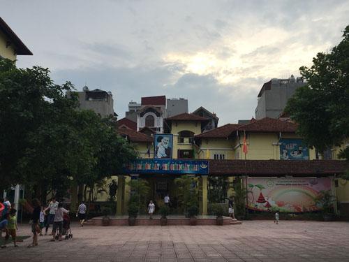Trường Mầm non Mai Dịch,nơi xảy ra sự việc.