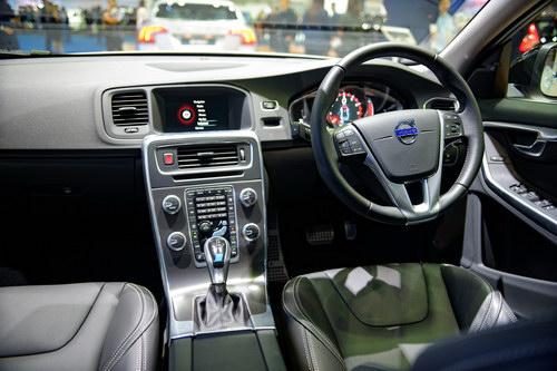 Volvo S60 Polestar: Sedan hạng sang giá 1,4 tỷ đồng - 2