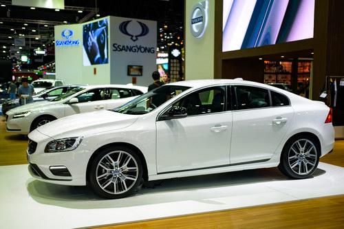 Volvo S60 Polestar: Sedan hạng sang giá 1,4 tỷ đồng - 4