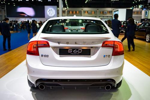 Volvo S60 Polestar: Sedan hạng sang giá 1,4 tỷ đồng - 6