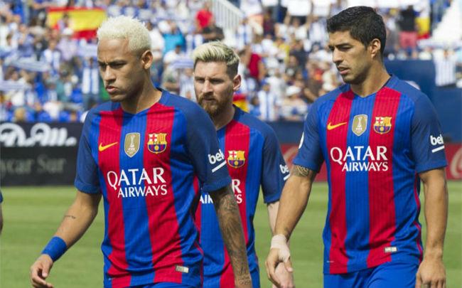 Messi ích kỷ vẫn thua Ronaldo: Chiếc giày vàng vô nghĩa