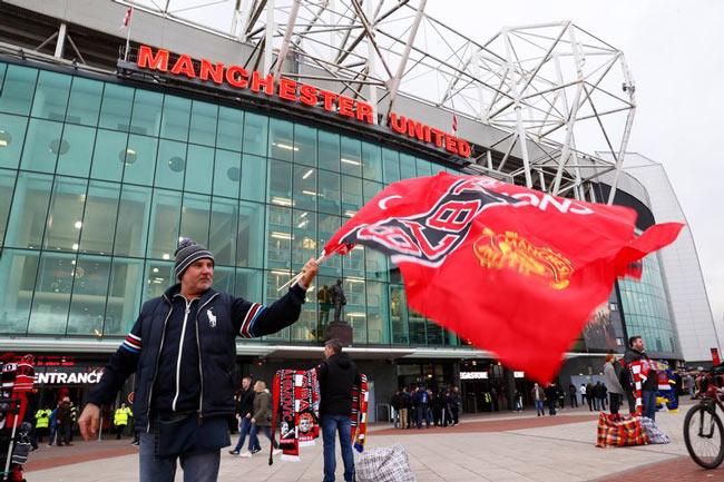 Mourinho tệ hơn Van Gaal, Moyes: MU vẫn kiếm 1 tỷ bảng