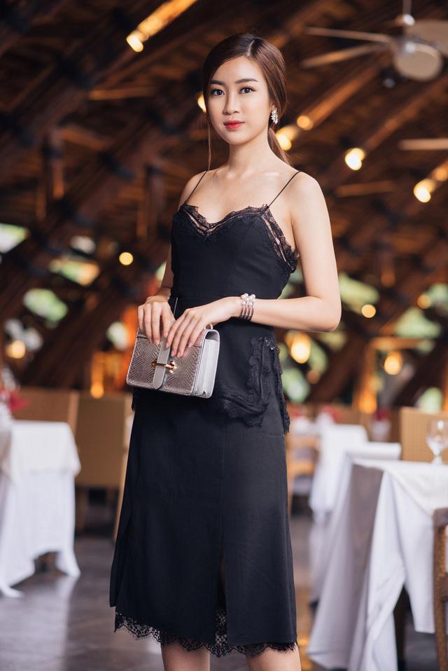 Hoa hậu Mỹ Linh kiếm được tiền vẫn xin phép mẹ mua hàng hiệu - 5