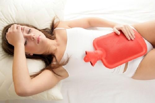 """5 cách giúp chị em xoa dịu cơn đau trong """"ngày đèn đỏ"""" - 2"""