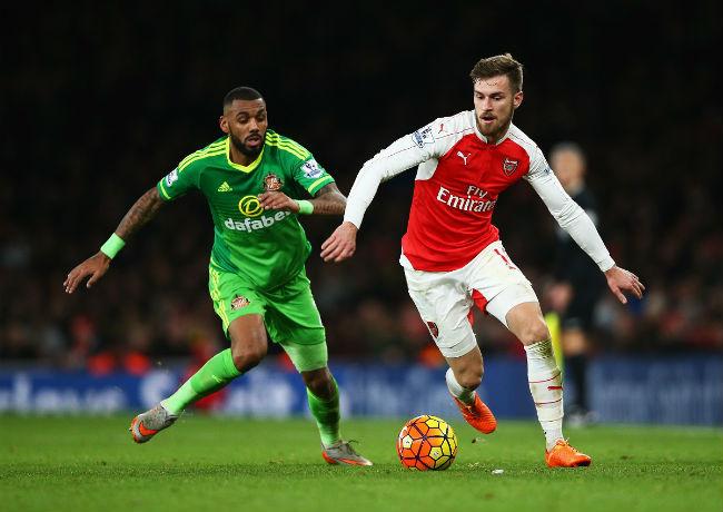 """Arsenal - Sunderland: """"Pháo"""" rền vang, công phá top 4 - 2"""