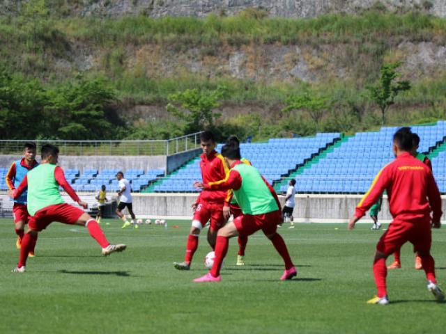 U20 Việt Nam: Tiền vệ lùn, hàng thủ cao - 2
