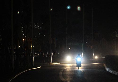 Mò mẫm trên con đường nghìn tỉ tối tăm giữa Thủ đô - 7