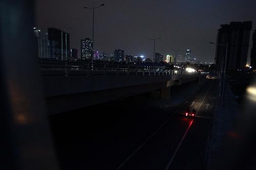 Mò mẫm trên con đường nghìn tỉ tối tăm giữa Thủ đô - 8