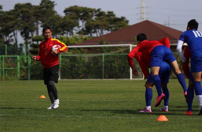 """U20 VN: Chuyên gia Đức tung """"tuyệt chiêu"""" đấu dàn sao 300 tỷ đồng - 1"""
