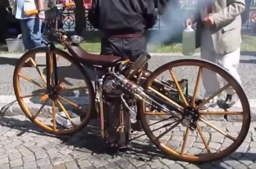 Độc đáo xe môtô chạy bằng động cơ hơi nước - 1