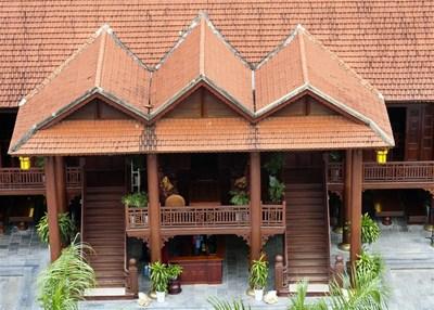 Cận cảnh ngôi nhà gỗ lim có giá 200 tỷ của đại gia Điện Biên - 2