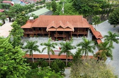 Cận cảnh ngôi nhà gỗ lim có giá 200 tỷ của đại gia Điện Biên - 5