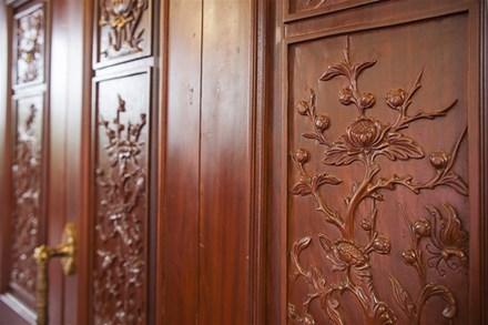 Cận cảnh ngôi nhà gỗ lim có giá 200 tỷ của đại gia Điện Biên - 9