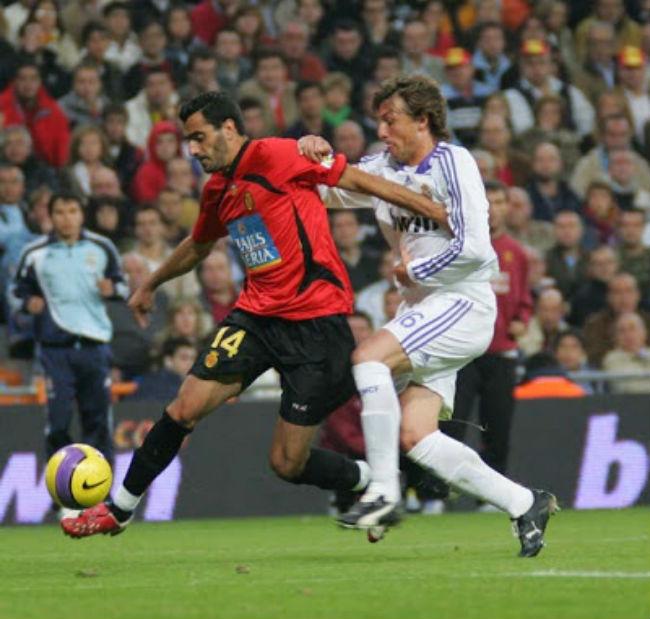 La Liga và những cuộc lật đổ kỳ vĩ: Real, Barca từng là nạn nhân - 4
