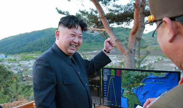 """Mỹ cam kết """"sắt đá"""" cùng đồng minh đối phó Triều Tiên - 2"""