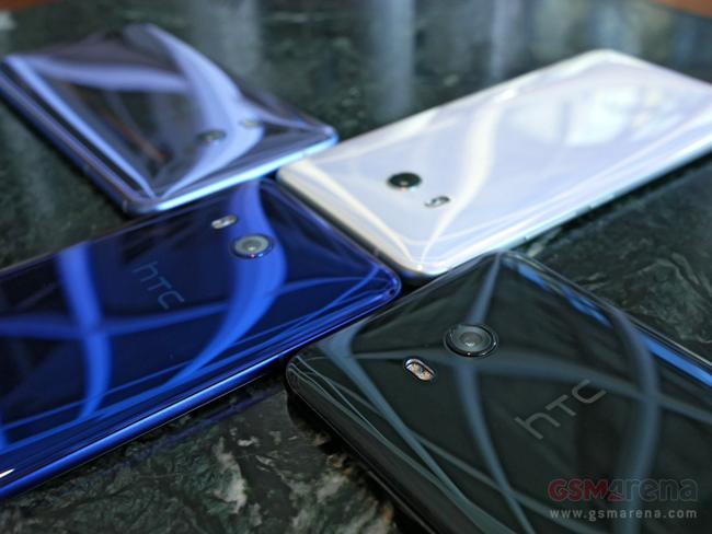 Nhà sản xuất HTC vừa ra mắt tại Đài Loan mẫu smartphone cao cấp HTC U 11 với thiết kế mới mẻ và cấu hình mạnh mẽ.