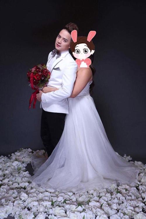 Lấy vợ rồi nhưng Cao Thái Sơn vẫn thường xuyên ôm ấp cô gái này - 1