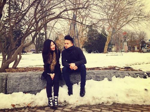 Lấy vợ rồi nhưng Cao Thái Sơn vẫn thường xuyên ôm ấp cô gái này - 13