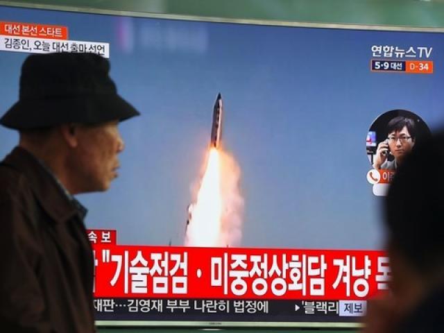 """Mỹ điều thêm tàu sân bay """"khủng"""" tới gần Triều Tiên - 2"""