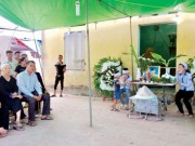 Tin tức trong ngày - Xe Camry đâm tử vong 3 học sinh: Đại tang nơi xóm nhỏ