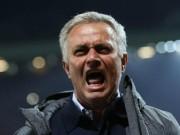 """Bóng đá - MU """"bấu víu"""" Europa League: Mourinho bị chê hết thời"""