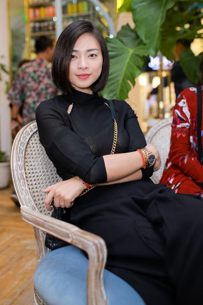 """Đạo diễn """"Kong"""" ôm hôn Ngô Thanh Vân trước trăm người - 3"""