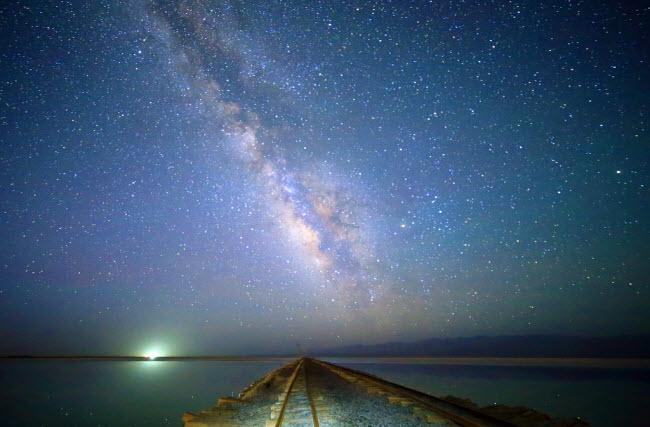 """Khám phá nơi được coi là """"Gương bầu trời"""" ở TQ - 9"""