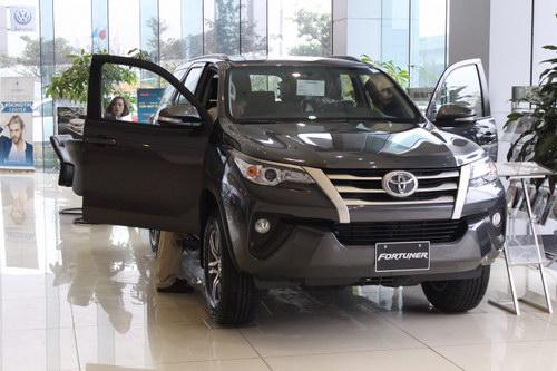 Xe Toyota giảm giá sâu chưa từng có trong tháng 5/2017 - 2