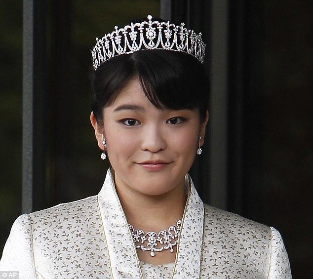 Công chúa Nhật Bản từ bỏ địa vị để kết hôn thường dân - 2