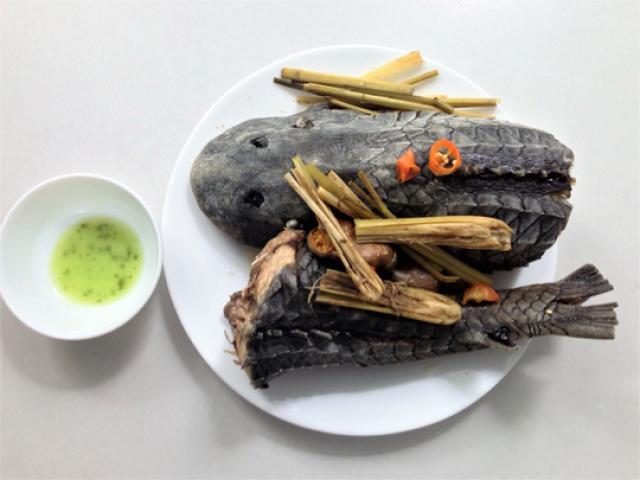 Cá lau kính hấp sả, món khoái khẩu của dân nhậu